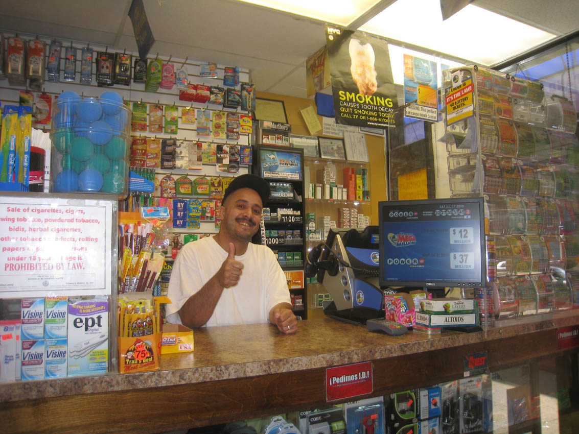 Store_counter_mega_millions_powerball